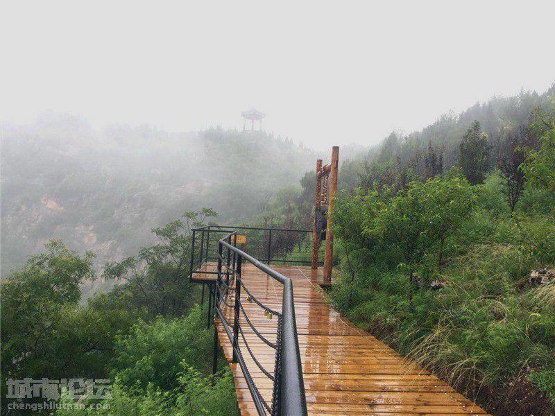 下雨天千万别去长春观 怕你不想离去错过回家的时间 (3).jpg